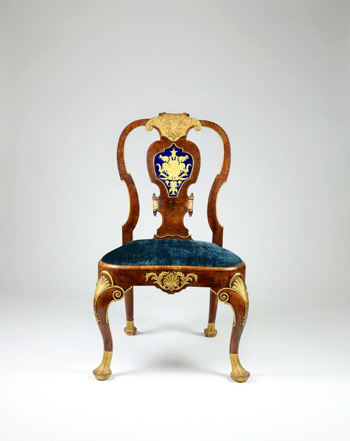 An Important George II Period Walnut, Burr Yew Wood and Gilt Side Chair with Verre Églomisé Panel