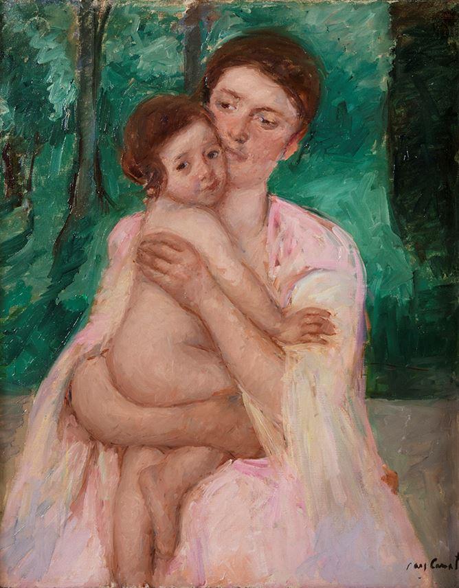 Mary Cassatt - Femme en robe rose tenant un enfant dans ses bras | MasterArt