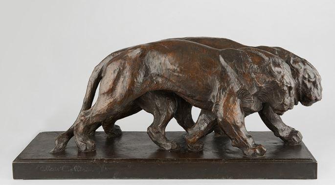 Alberic Collin - Deux lionnes marchant | MasterArt