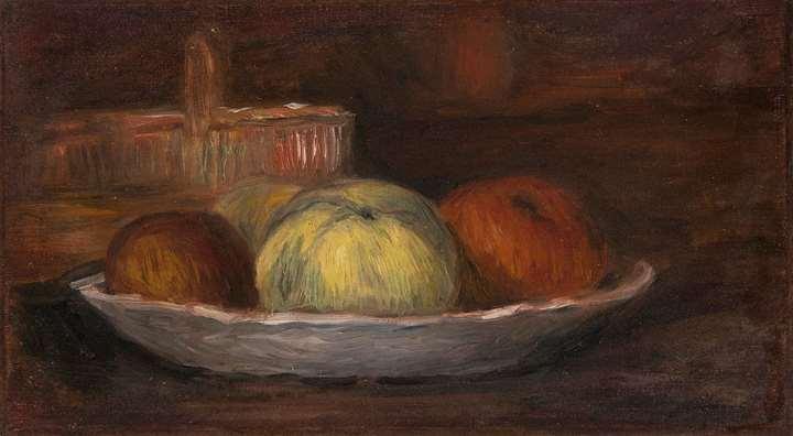 Pommes dans un plat et panier