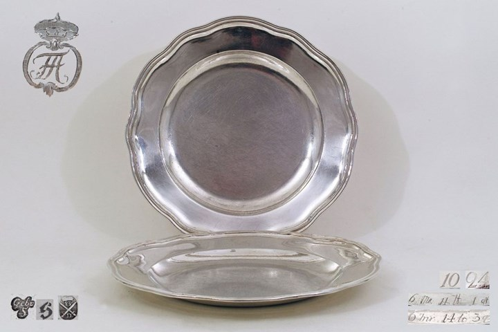 Set of two Plates, Silver from the Royal Collection of the House of Wettin, King and Elector of Saxony and Duke of Warsaw Frederick Augustus I/III (1750-1827)