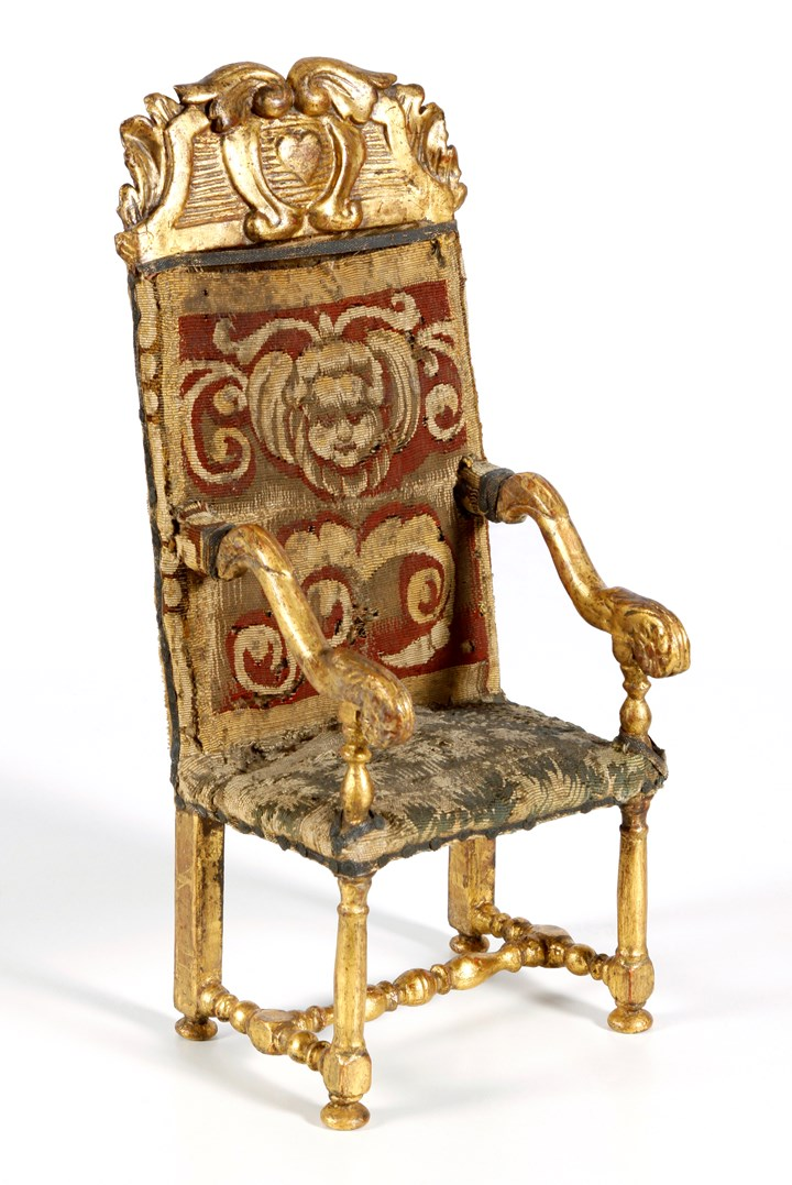 Miniature armchair