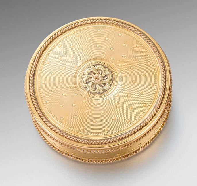 René-Antoine  Bailleul - A Round French 18th Century Two-Colour Gold Box | MasterArt
