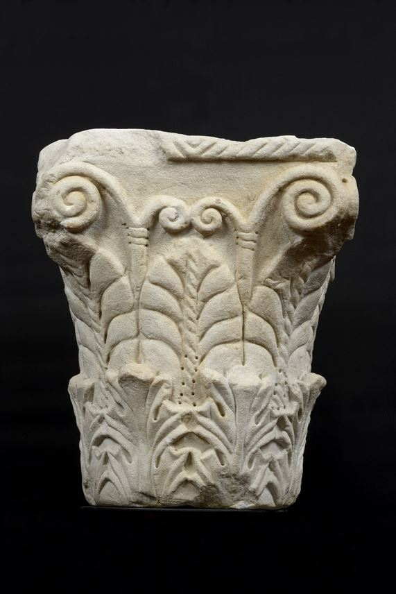 A Pair of pseudo Corinthian Capitals with acanthus foliage and palmettes | MasterArt