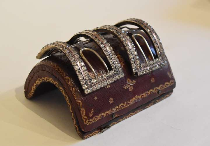 Shoes buckles « à la d'Artois »
