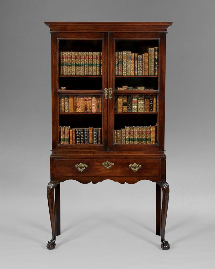 A GEORGE II MAHOGANY CABINET ON STAND | MasterArt
