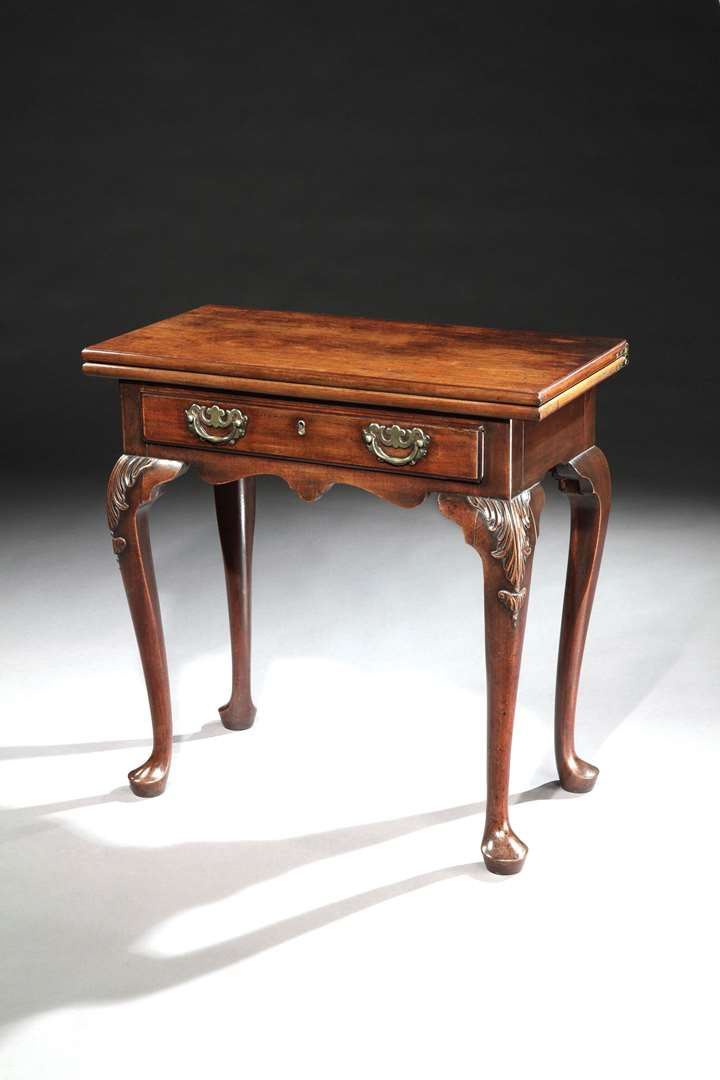 A GEORGE II MAHOGANY SIDE TABLE