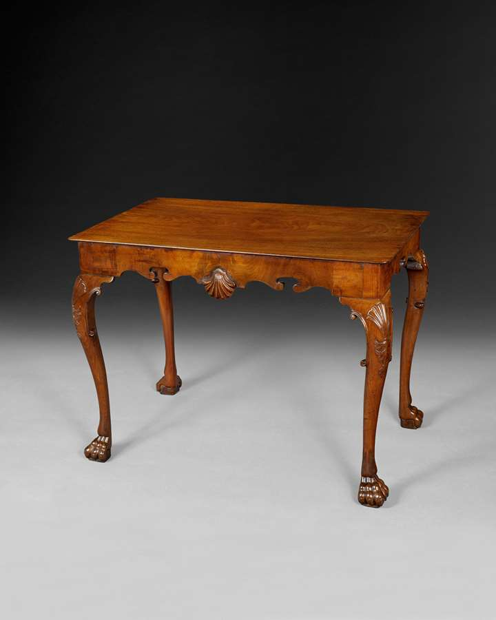 A GEORGE III IRISH MAHOGANY CENTRE TABLE