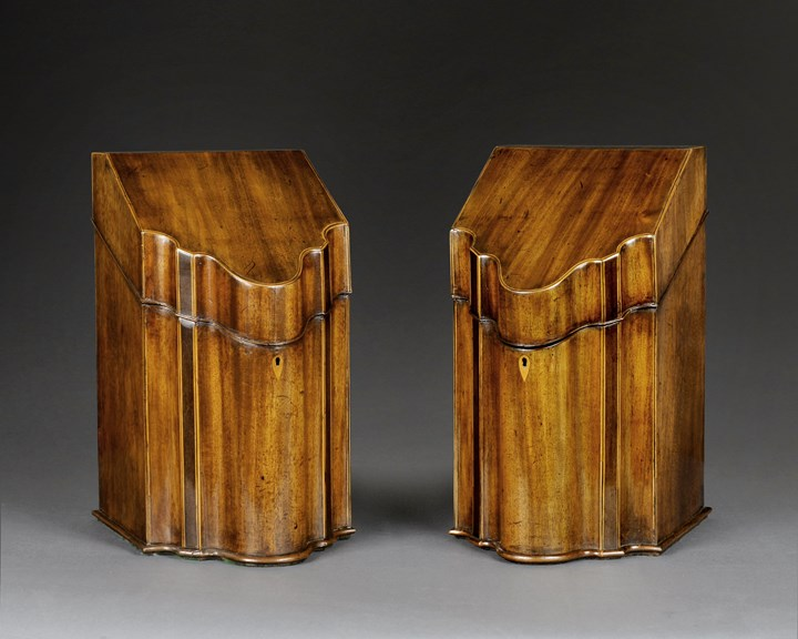 A PAIR OF SHERATON MAHOGANY CUTLERY BOXES
