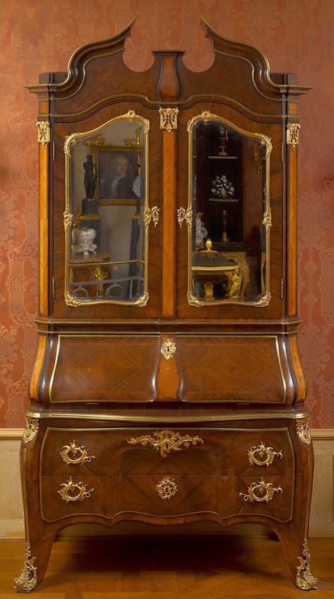 Michael Kimmel - An important Dresden Rococo writing cabinet | MasterArt