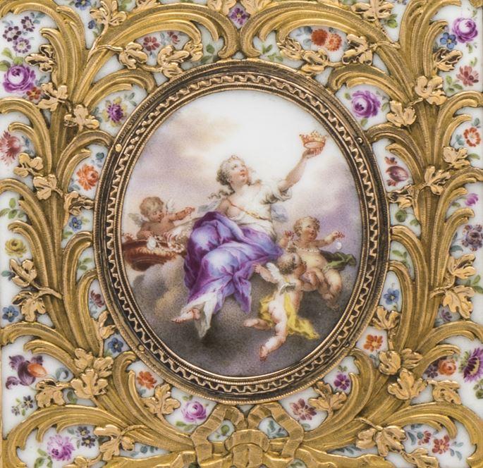 Gold-mounted porcelain étui à tablettes ('carnet de bal') with the legend SOUVENIR | MasterArt