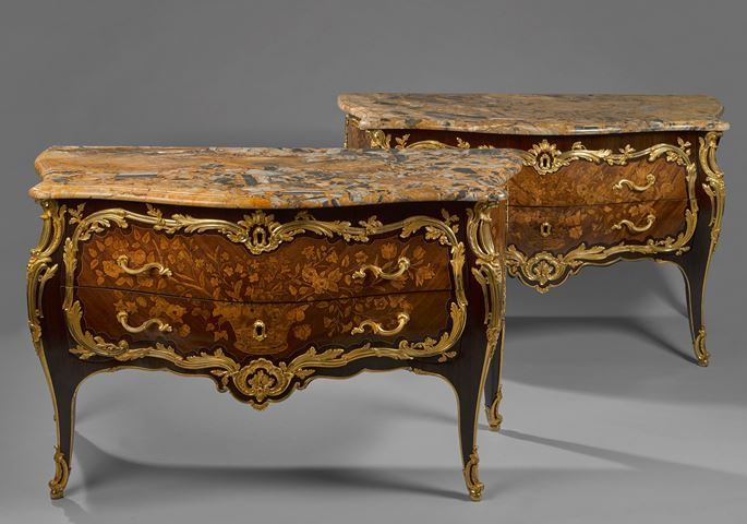 Nicolas Petit - A pair of commodes (known as commodes galbées) | MasterArt
