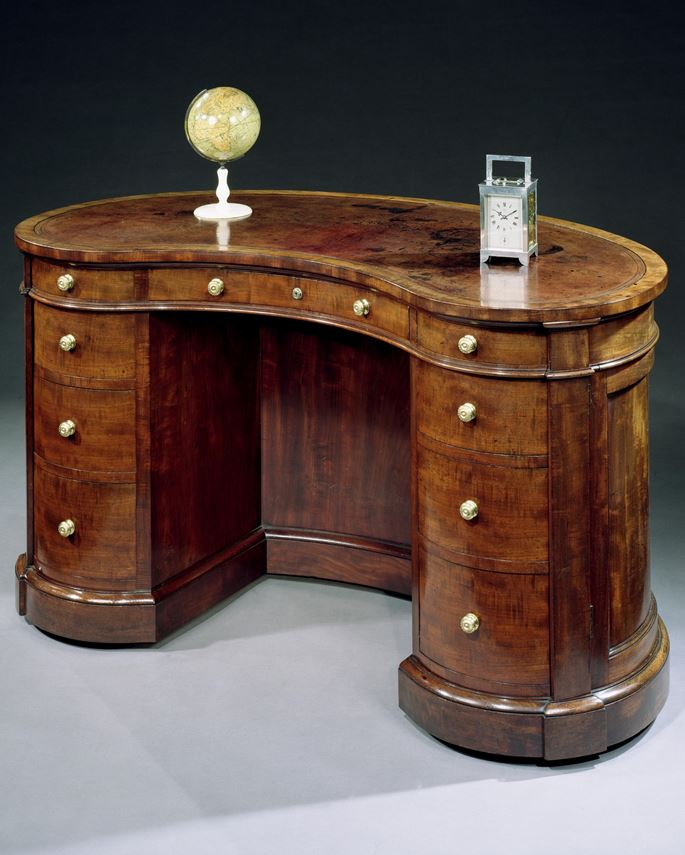 Gillows Of Lancaster - A VICTORIAN MAHOGANY KIDNEY SHAPED DESK | MasterArt