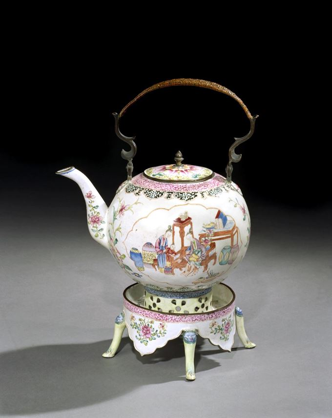 A GEORGE II PERIOD CHINESE EXPORT CANTON ENAMEL TEA POT ON STAND | MasterArt