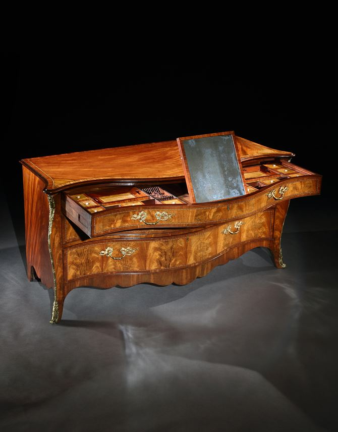 Henry Hill - A GEORGE III MAHOGANY COMMODE ATTRIBUTED TO HENRY HILL | MasterArt