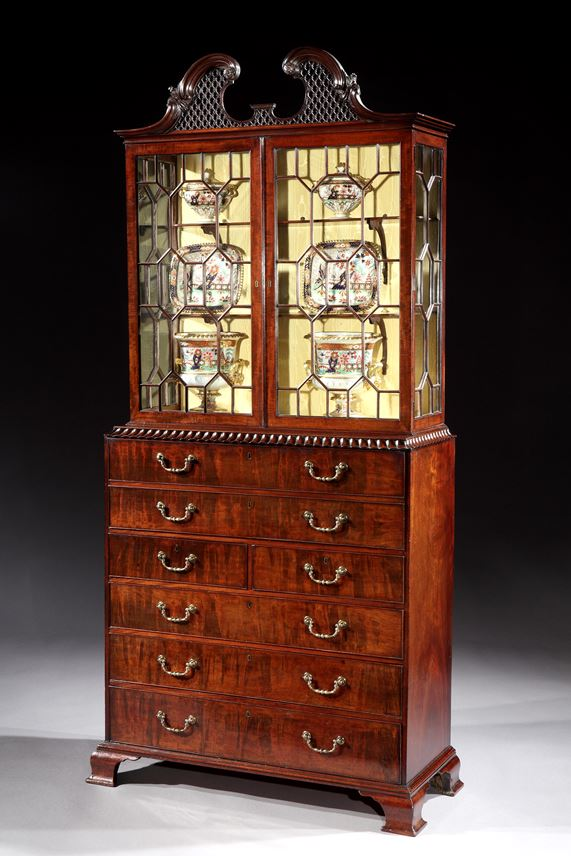 A GEORGE III MAHOGANY SECRÉTAIRE DISPLAY CABINET   | MasterArt