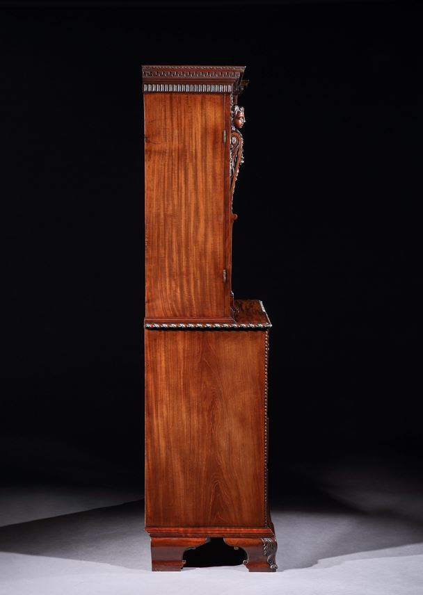 William Vile - A MAGNIFICENT GEORGE II MAHOGANY CABINET ATTRIBUTED TO WILLIAM VILE | MasterArt