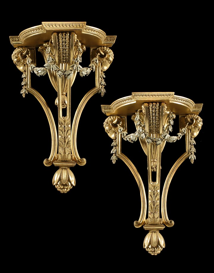 A PAIR OF GEORGE III GILTWOOD BRACKETS