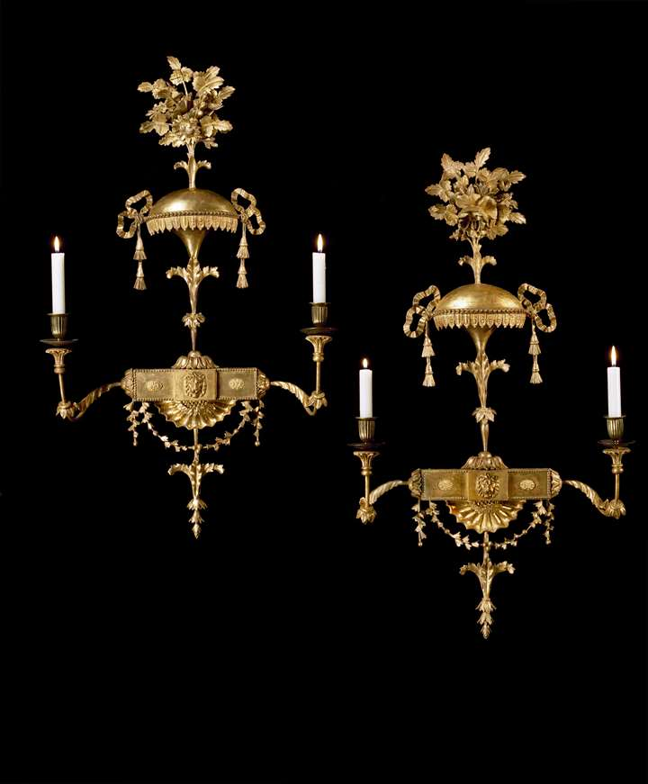 A PAIR OF GEORGE III GILTWOOD WALL LIGHTS