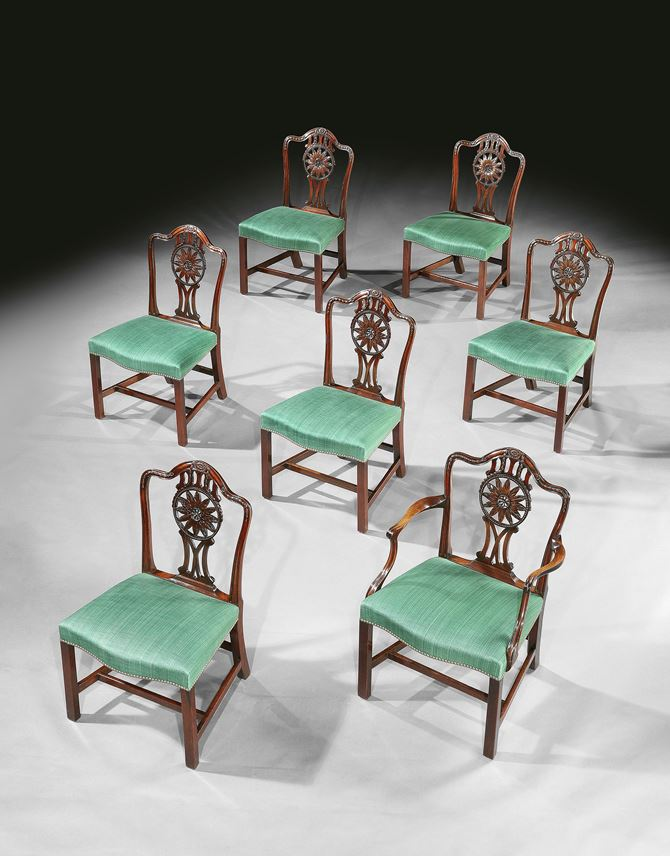A SET OF FOURTEEN GEORGE III MAHOGANY DINING CHAIRS | MasterArt