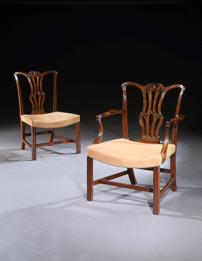 A SET OF TEN GEORGE III MAHOGANY DINING CHAIRS AND FOUR SIDE CHAIRS OF LATER DATE | MasterArt