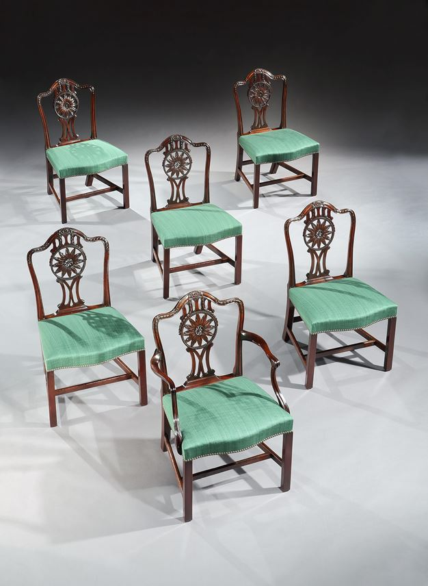 A SET OF TWELVE GEORGE III MAHOGANY DINING CHAIRS | MasterArt