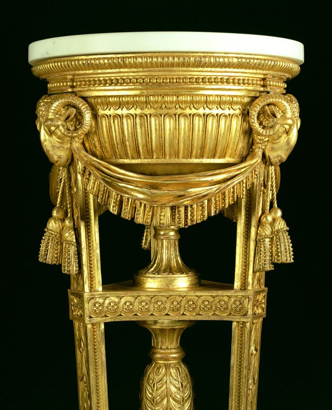 AN ADAM PERIOD CARVED GILTWOOD TORCHÉRE | MasterArt