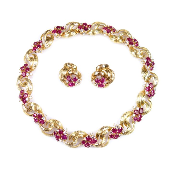 18ct gold, ruby and diamond collar necklace and pair of earrings en suite, Monture Cartier