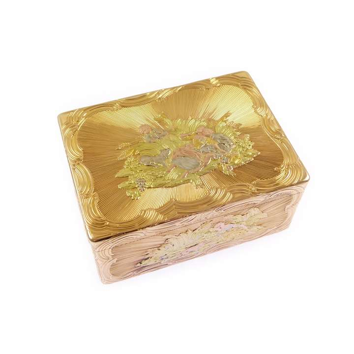 German rectangular chased gold box with pastoral scenes
