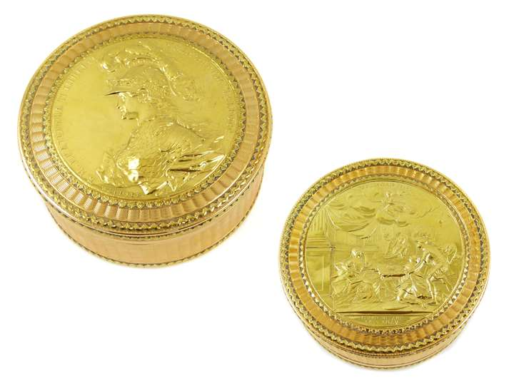 Russian round gold box inset with a gold medal commemorating the Coronation of Catherine the Great by George Christian Wchter