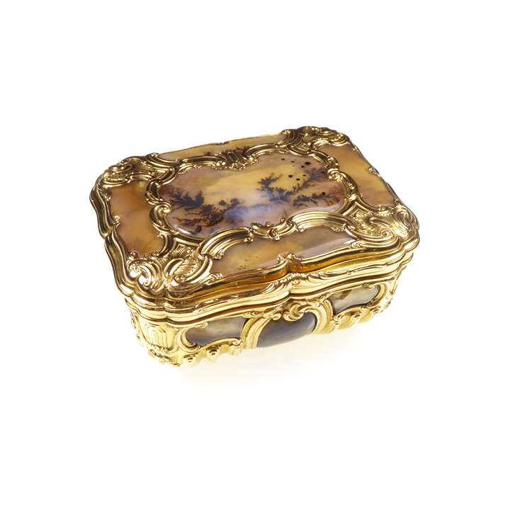 Gold and moss agate mounted box, of shaped rectangular outline,