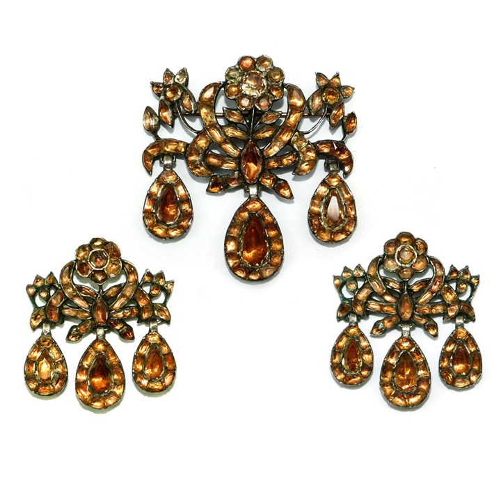 18th century golden topaz triple drop brooch and pair of earrings en suite