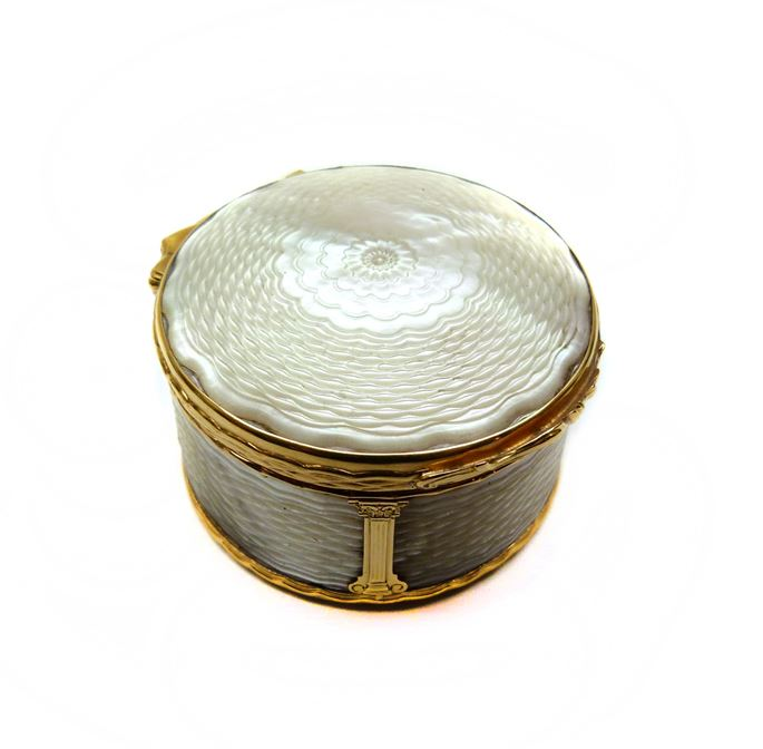 18th century mother-of-pearl and gold box with miniature to interior | MasterArt