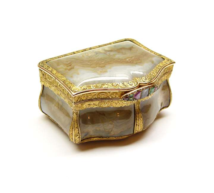 19th century Russian gold mounted agate and gem set box, assaymaster Michael Karpinsky