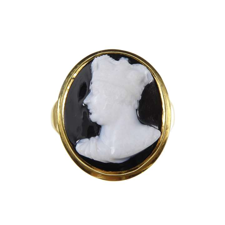 19th century nicolo cameo depicting King George IV,  attributed to Benedetto Pistrucci (1783-1855), later gold ring mount