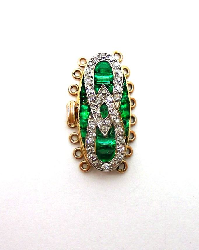 An emerald and diamond clasp | MasterArt