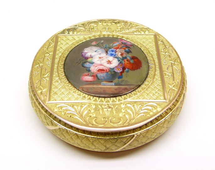 Antique Austrian two colour gold and enamel miniature round box | MasterArt