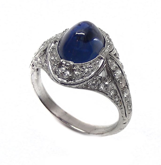Grogan   - Antique cabochon sapphire & diamond ring | MasterArt