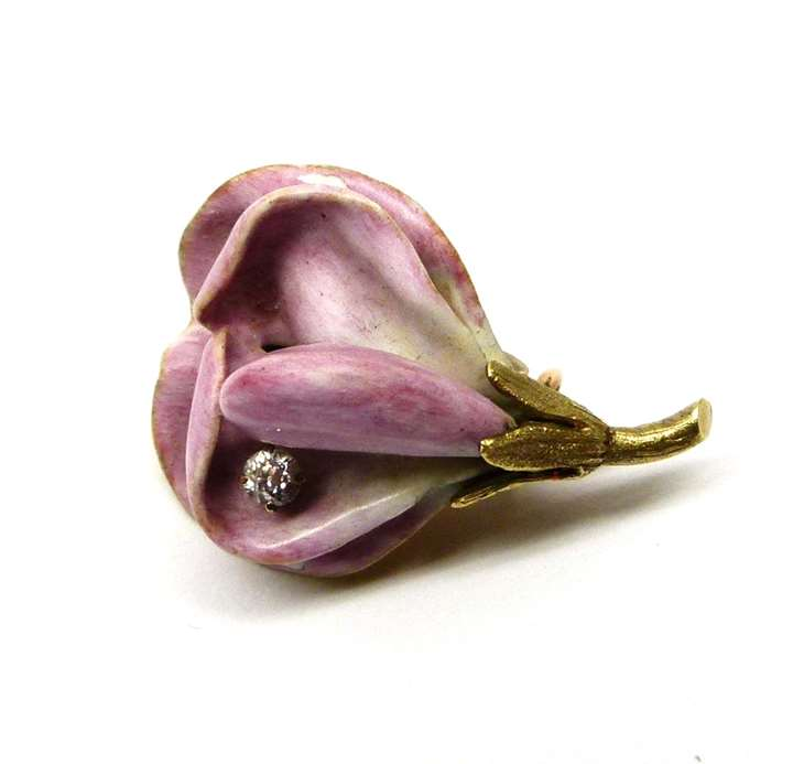 Antique gold enamel and diamond brooch in the form of a sweet pea