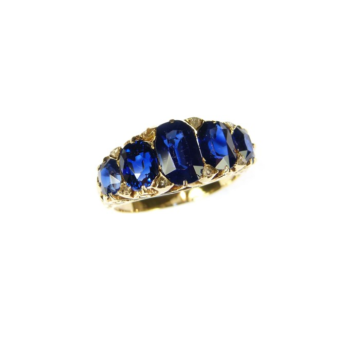 Antique graduated five stone sapphire ring | MasterArt