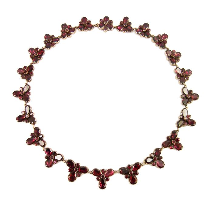 Antique graduated garnet foliate cluster necklace | MasterArt