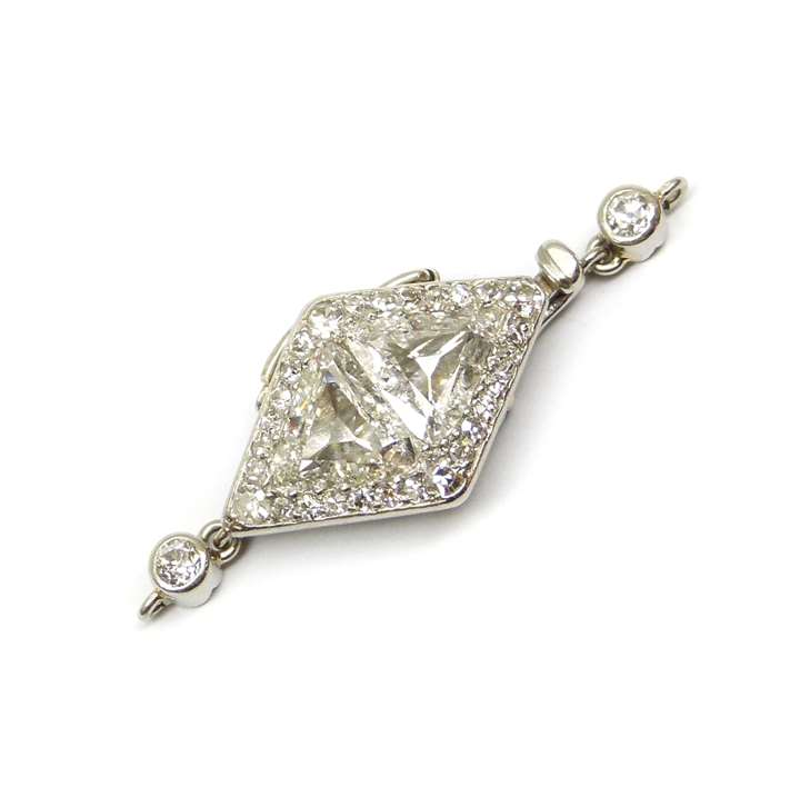 Art Deco lozenge cluster diamond clasp with fittings for a single row