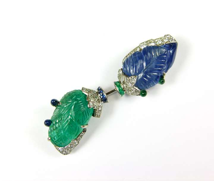 Carved emerald and sapphire jabot pin