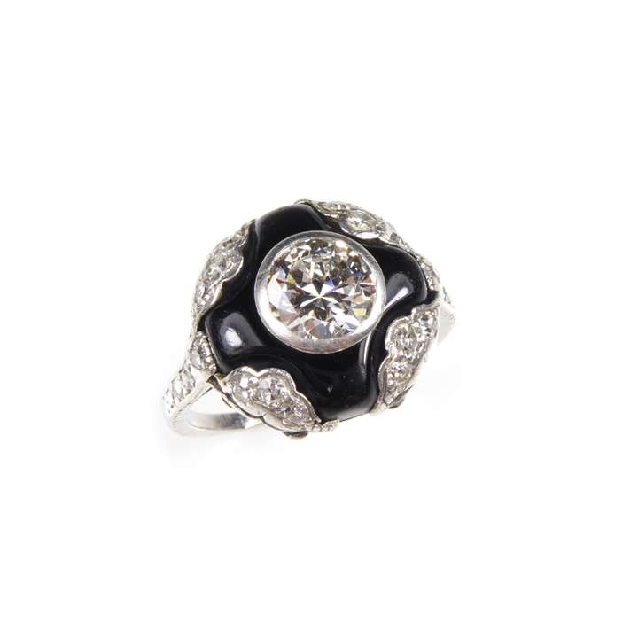 Early 20th century diamond and onyx cluster ring