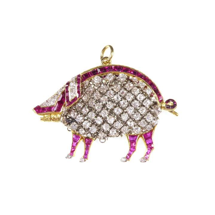 Early 20th century diamond and ruby pendant in the form of a pig with integral mesh purse