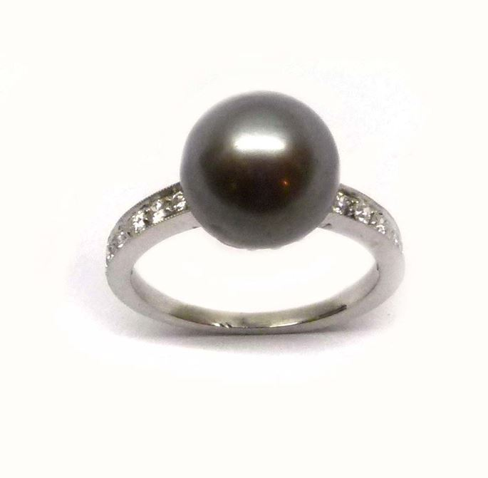 Early 20th century grey pearl and diamond ring | MasterArt