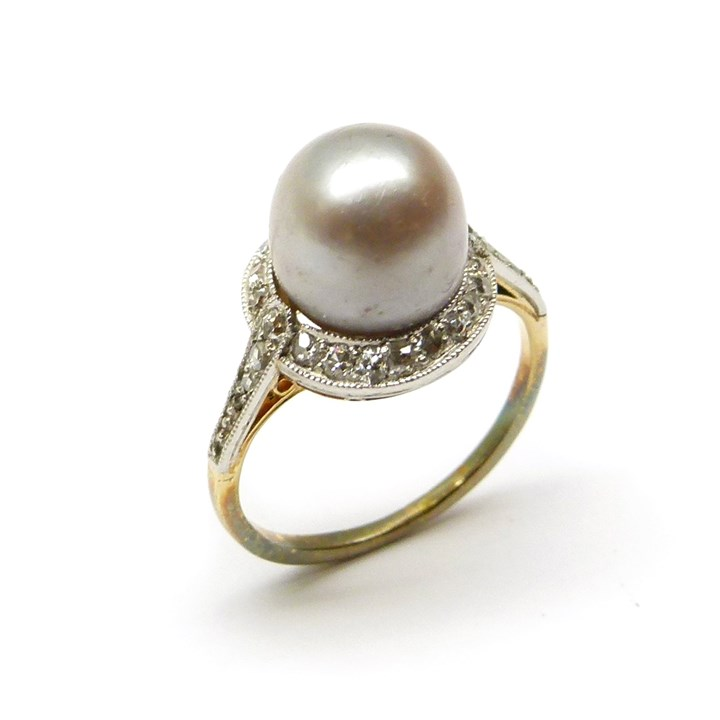 Edwardian coloured pearl and diamond cluster ring, set with an iridescent grey/light brown 4.53ct pearl