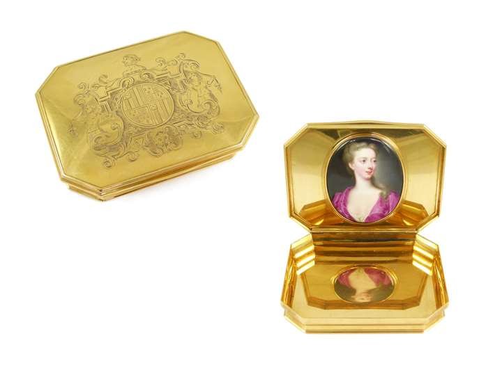 George II canted rectangular gold box