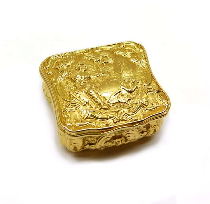 George II cartouche-square shaped gold patch box