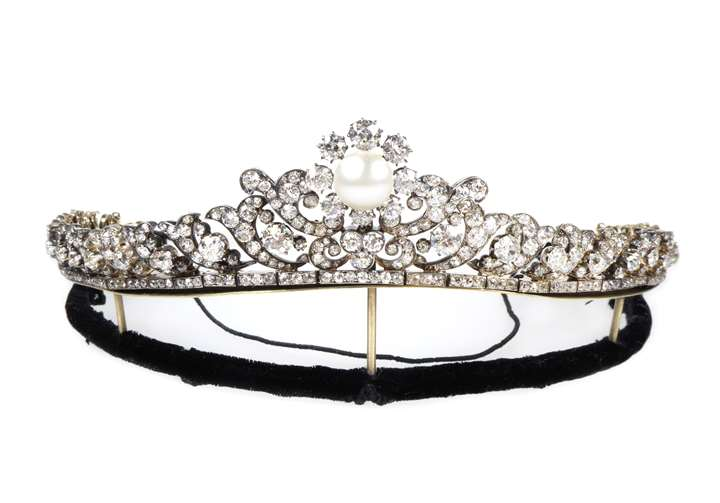 Diamond and pearl tiara converting to a necklace